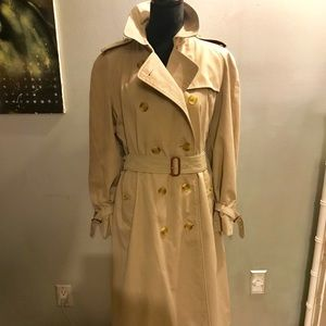 Vintage Burberry Trench Coat interior Nova print